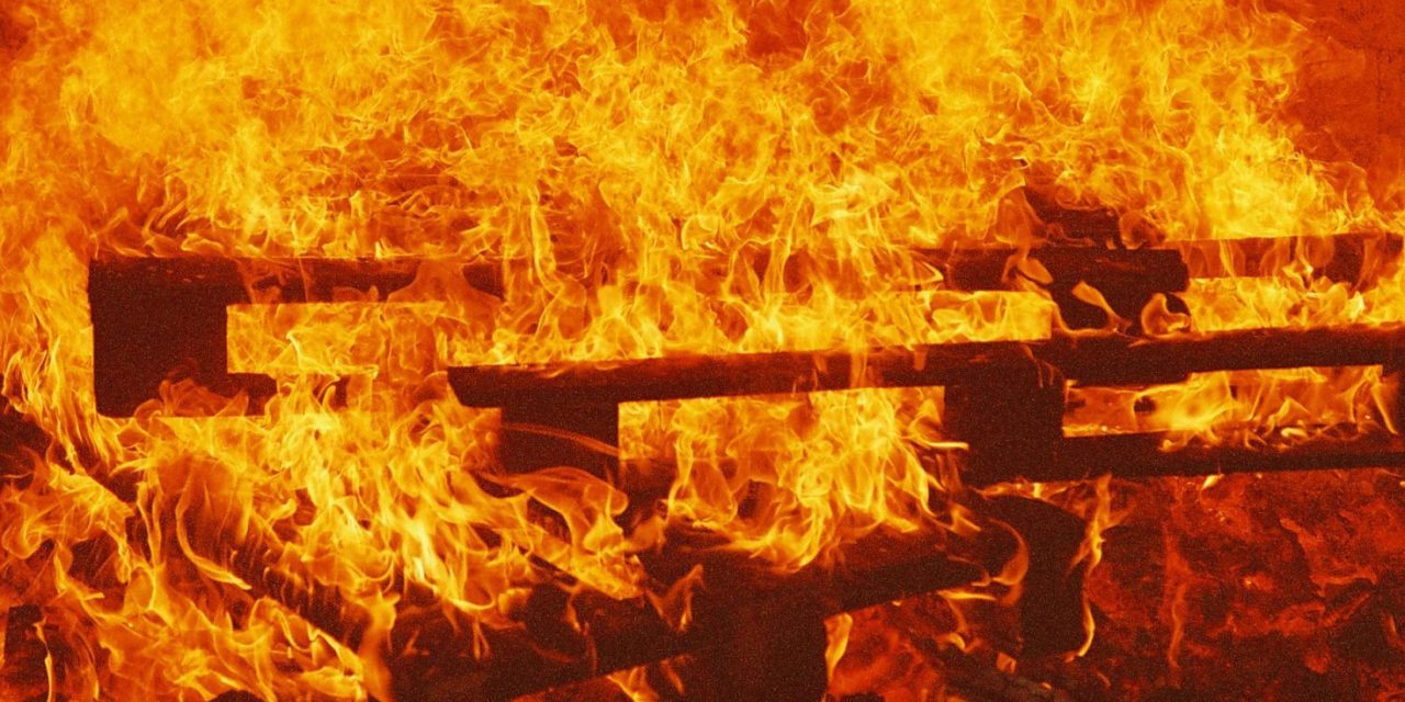 Maison de feu 2004